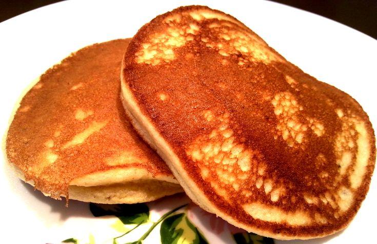 Hvis du er på udkig efter nogle virkelig luftige pandekager, skal du prøve disse super luftige glutenfri bananpandekager! De er uden tilsat sukker, mælk og plantemælk...
