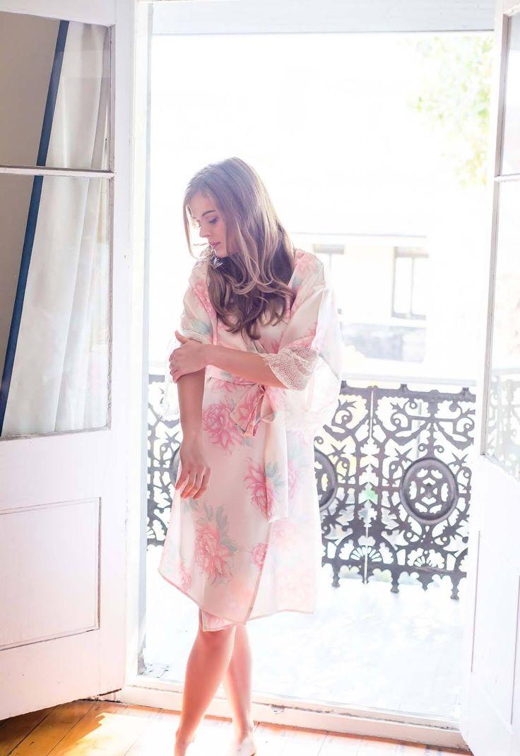 Ivy & Matilda Aster Lace Trim Robe   #ivyandmatilda #kimonorobe #robe #silkrobe #lacerobe #bridalrobe #bridesmaidrobe #wedding #weddingday