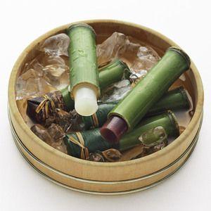 するり、ひんやり。小豆と柚子、夏の風味。【京菓子司 竹筒水羊羹「竹流し」】