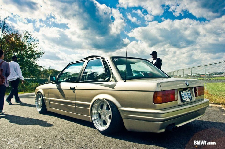 Gold E30 Stanced out