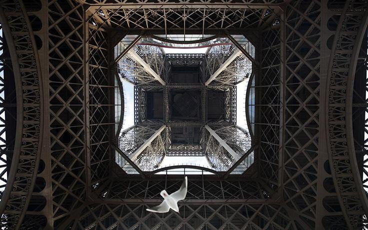 Ο πύργος του Άιφελ είναι ανοιχτός για τους επισκέπτες σχεδόν κάθε ημέρα του χρόνου