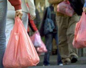 Avrupa Plastik Poşetleri Yasaklamak Yerine Bilinçlendiriyor