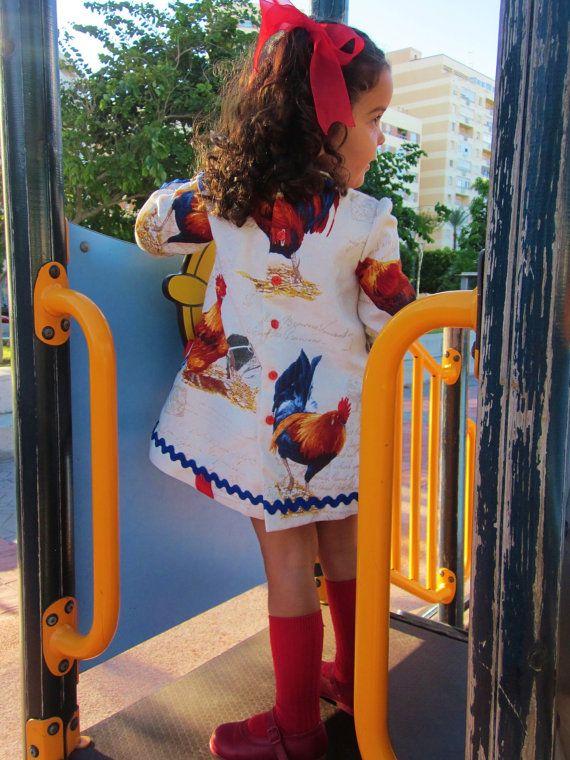 Gallos y Gallinas.Vestido/traje para bebé o por Moniquesthingsshop