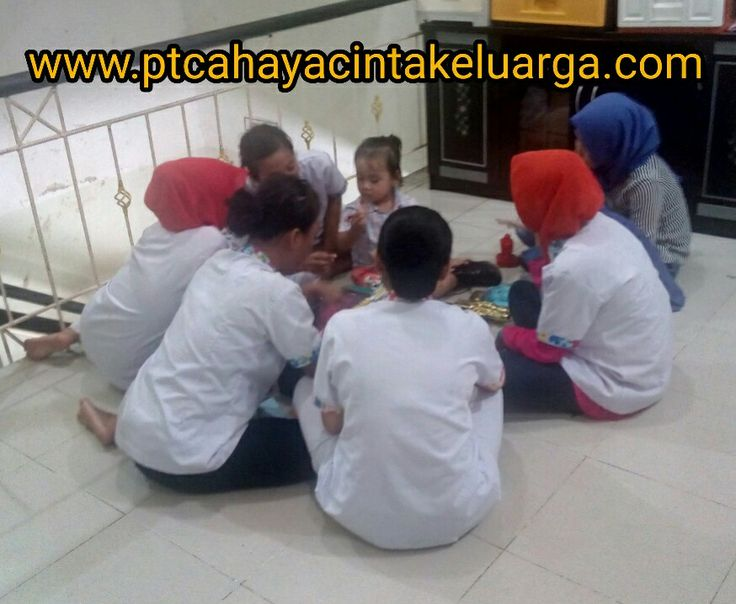 Selain menjaga dan mengasuh buah hati anda #babysitter #perawatbalita #pengasuhanak #susterbayi #nanny jg sbg teman bermain dan tempat belajar mengenal lingkungan ^_^  www.ptcahayacintakeluarga.com