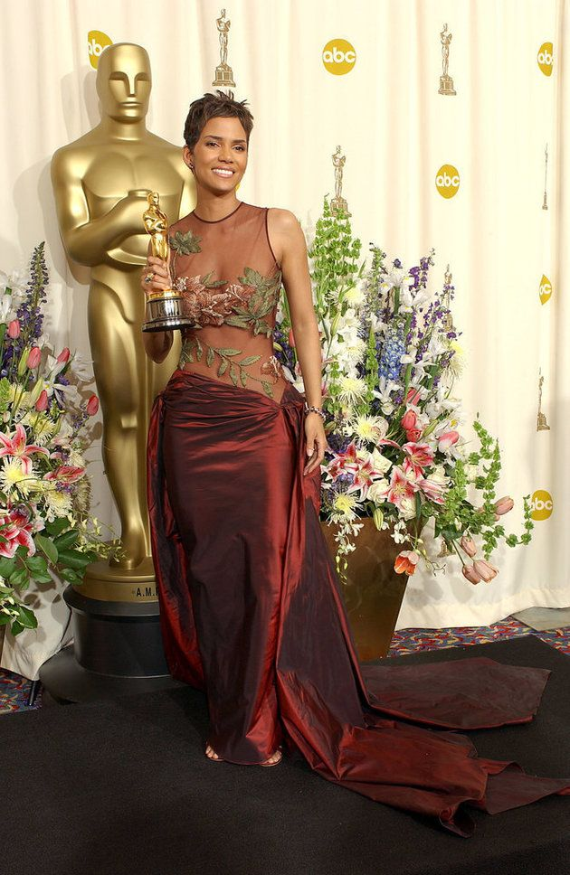 Halle Berry in Elie Saab at the 2002 Oscars. It takes a very beautiful woman to work this look, with short hair, minimal accessories and lots of arms. Halle is that woman.