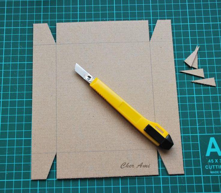 Итак, приступим! Коробочка наша в стиле 'крышка-дно' будет из гофрокартона, точнее микрогофрокартона — толщина его 1,5 мм. На мой взгляд, именно из такого лучше всего получаются коробочки. Кроме картона нам нужны: Если нет термопистолета, думаю, подойдет любой клей для картона или бумаги. Делаем шаблон (мне удобнее в WORDe), распечатываем. Конечно, можно и сразу на картоне разметку нанести,…