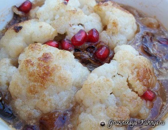 Сациви— грузинское самое популярное национальное блюдо, это густой соус из грецких орехов, которыйподаетсятолько вхолодном виде. Сацивиможно приготовить с курицей, индейкой, с рыбой, а т…