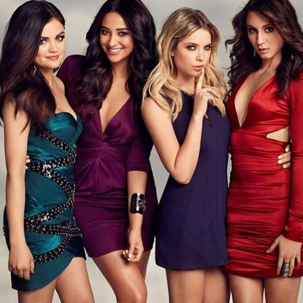 The liars look amazing in these dresses! | Pretty Little Liars