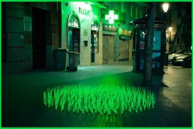 Madrid: Light art by Luz Interruptus - http://www.gazduna.com/2012/05/23/la-light-art-urbana-dei-luz-interruptus/