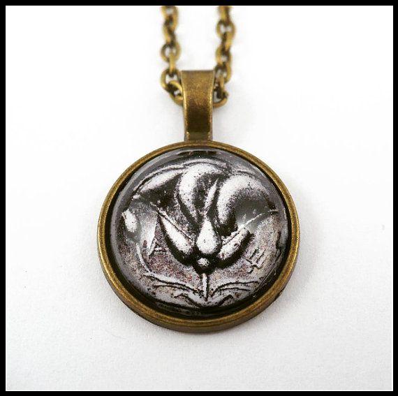 Collana moneta Antica Grecia medaglione rosa di ArtPassionBijoux