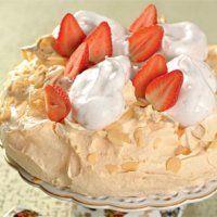 Новогодние десерты. Торт Павлова с клубникой