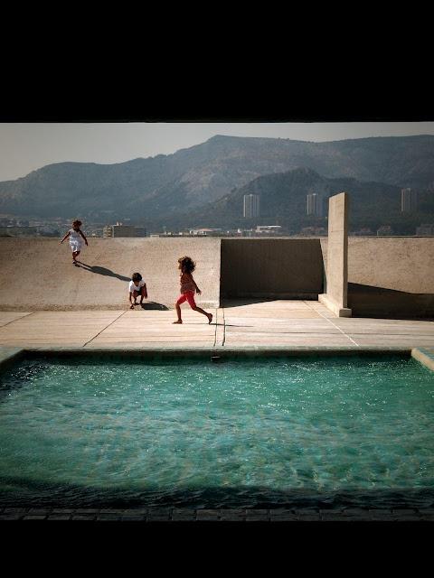 Le Corbusier avec Nadir Alfonso | Cité radieuse – Unité d'Habitation | Marseilles, France | 1947–52