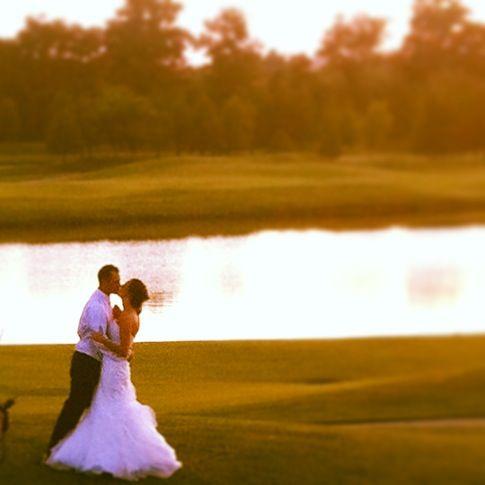 Golf course wedding photos at a country club