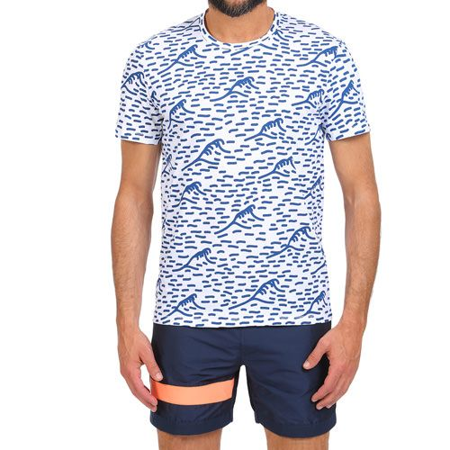 WAVE PRINT T-SHIRT COLOR WHITE White cotton scoop neck T-shirt with all-over wave print. Short sleeves. COMPOSITION: 100% COTTON. Model wears size L, he is 189 cm tall and weighs 86 Kg.
