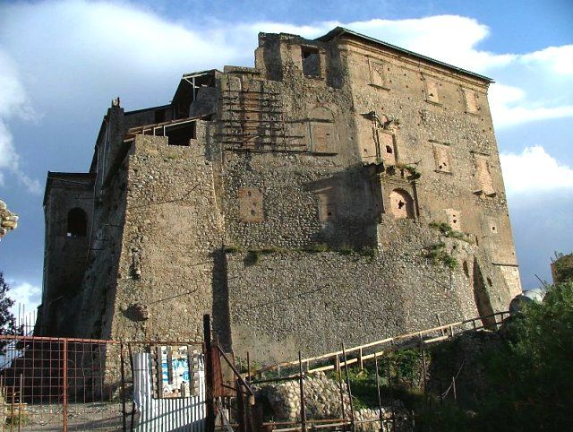 Roccella Jonica (resti del castello Carafa)
