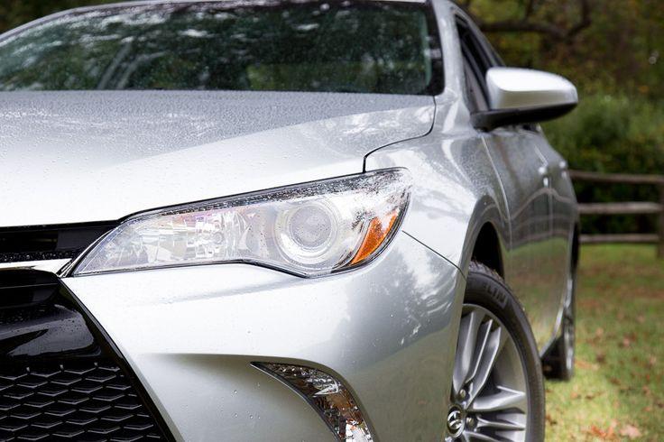2015 Toyota Camry Photo Gallery