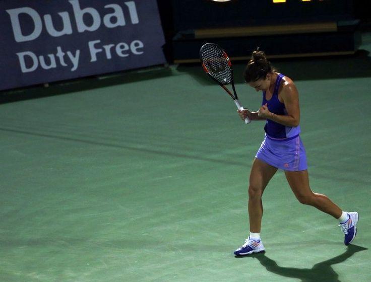 **VIDEO** Simona Halep a învins-o pe Ekaterina Makarova, 6-3, 1-6, 7-5, și s-a calificat în semifinale la Dubai