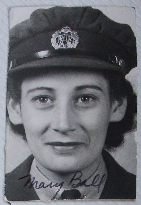 Mary Ball, later Mary Lamb, member of the RCAF Women's Division, at RCAF Centralia, Ontario, probably in 1943 or 1944. For more: www.elinorflorence.com/blog/rcaf-women-photographer