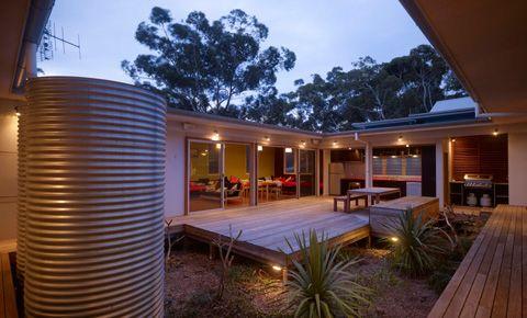 Coastal Homes: Lake Home & Beach House Designs - Busyboo - Page 3