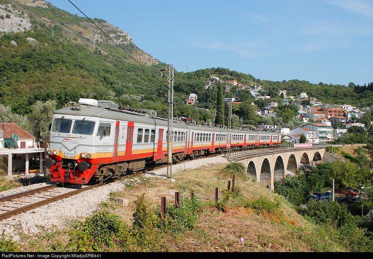 RailPictures.Net Photo: 412/416-042/043 ŽPCG - Željeznički prevoz Crne Gore RVR 412 at Sutomore, Serbia and Montenegro by MladjaSRB441