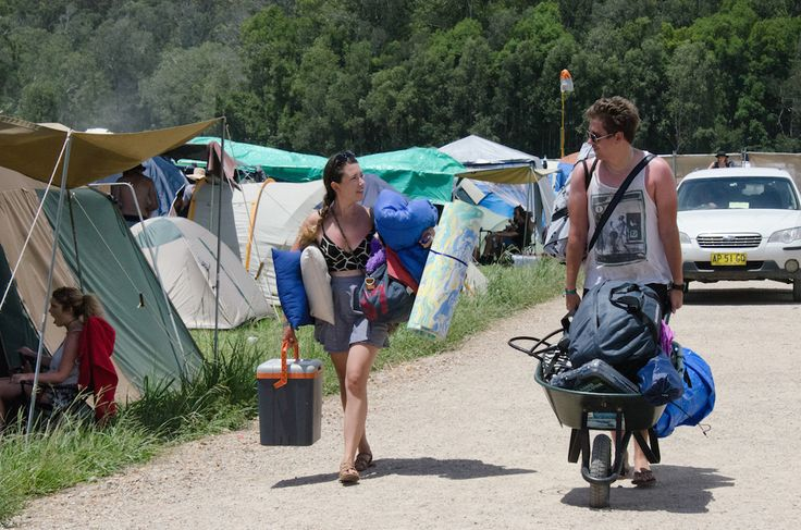 Falls Music & Arts Festival Byron Bay - Free camping near Byron Bay during New Year is the best deal around:)