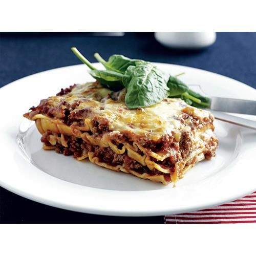 When you want to skip the b�chamel sauce step, using cottage cheese and grated mozzarella can speed up the process. Enjoy the tasty combination in this quick version of lasagne