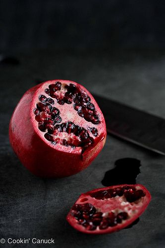 How to: Seed a Pomegranate by Cookin' Canuck #howto #pomegranate by CookinCanuck, via Flickr