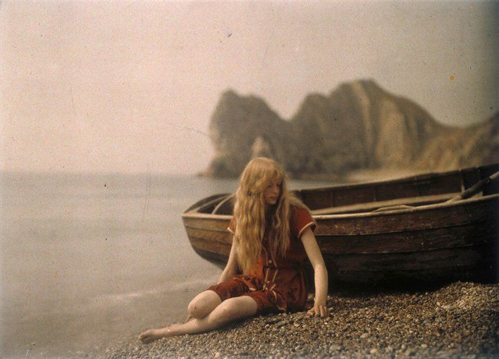 Lieutenant Colonel Mervyn O'Gorman, a distinguised Aeronautical engineer, took these autochromes of his daughter Christina at and near Lulworth Cove in Dorset, in 1913. Google Image Result for http://image4.nw.ctscdn.com/prodthumb/898/517/1043ccd3-19f3-4175-894c-8cc223b4bdfe.jpgInspiration, Colors Photography, Boats, Vintage Photography, Mervyn O' Gorman, Beach Shoots, 1913, Rare Photos, The Sea
