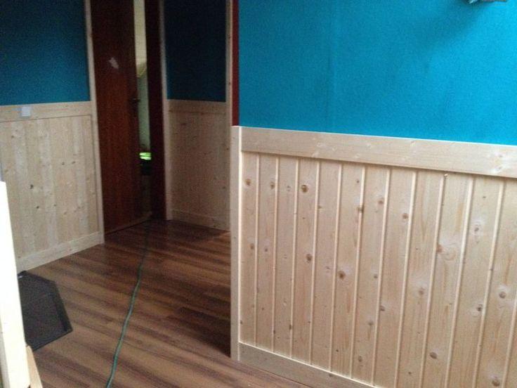 Wandverkleidung Im Flur Bauanleitung Zum Selberbauen Deine Heimwerker Community Holz Terrassendielen Ho In 2020 Entryway Decor Country Decor Diy Wall Cladding