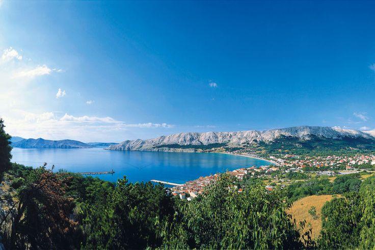 Mit dem Wohnmobil lässt es sich prima nach Kroatien fahren. Am Meer genießen Sie die Vielfalt der verschiedenen Inseln und die traditionelle Küche. Hier sind fünf gute Gründe für die Kvarner-Bucht.