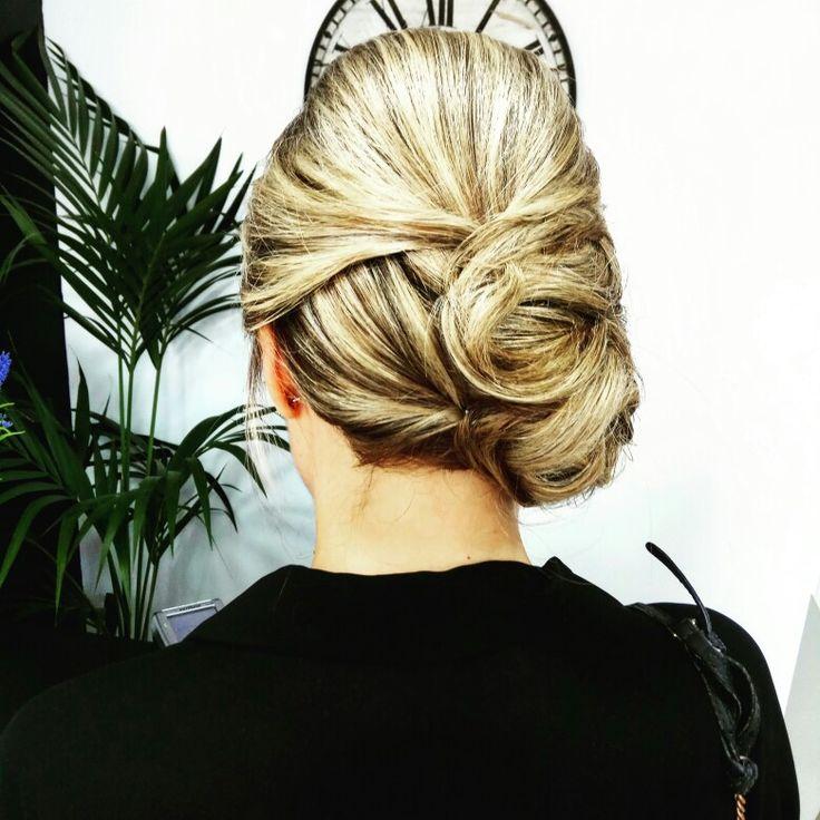 #recogido de lado en #cabello medio