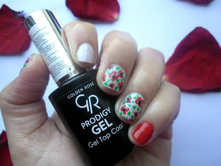 #nailsoftheday  Μια πρόσφατη ανακάλυψη στα top coat νυχιών είναι αυτό της @goldenrosegreece Prodigy Gel τονίζει τα χρώματα δείχνοντας πιο ομοιόμορφο αποτέλεσμα στα σχέδια επίσης προσφέρει λάμψη και διάρκεια! Το καλύτερο στο άφησα στο τέλος στεγνώνει σε δευτερόλεπτα! Απλά το αγάπησα!   . . . #diaryofabeautyaddict #elbeautythings #nails #notd #nailart #flowernails #nailblogger #nailstagram #nailsbyme #nailsdesign #nbloggers #greekblogger #greekbloggers #bbloggersgr #bbloggers #beautyblogger…