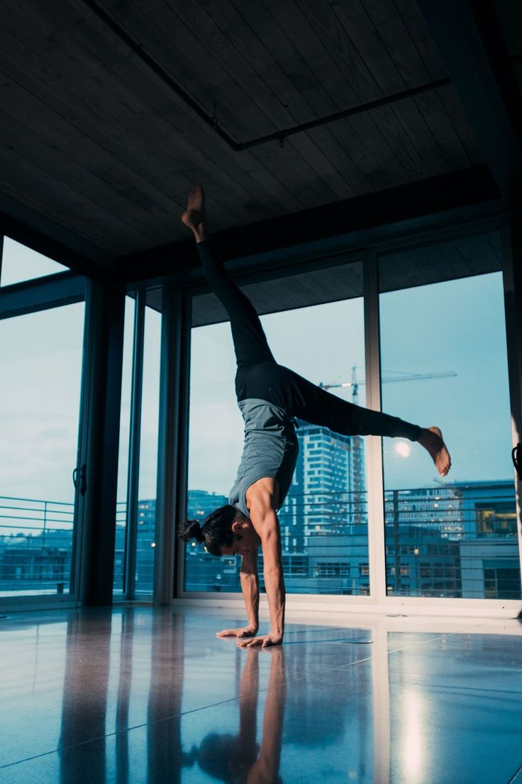 Learn to Handstand Handstand Progression Handstand How
