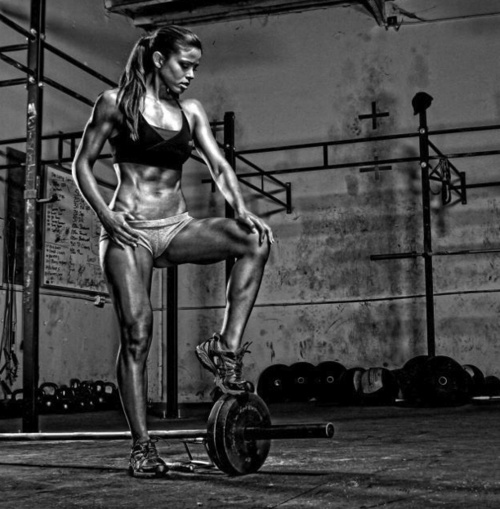 Walk into a hardcore male orientated gym looking like this and the guys won't be thinking about getting some ass.. They'll be scared of your ass @ Get, strong, lean and sexy… => http://www.fitzspiration.com/stay-fit-buzz-no-nonsense-butt-building