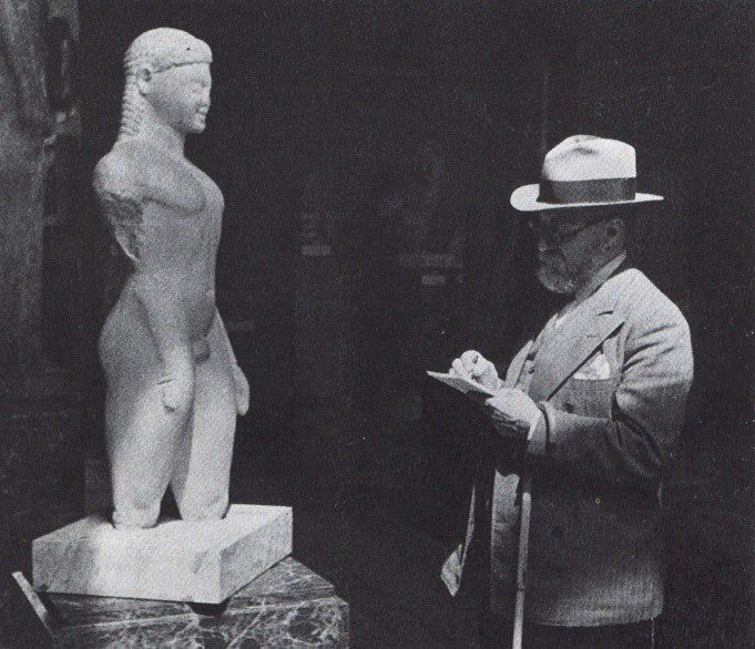 Henri Matisse drawing a Greek Kouros at the Louvre,1932