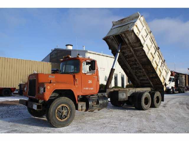 1981 Mack Dump Truck RD685SE for sale