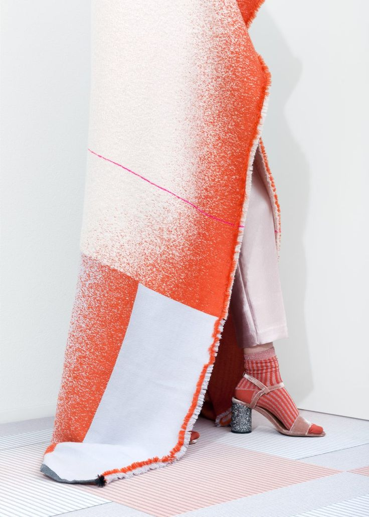 Mae Engelgeer | MONO collection | textile design | www.mae-engelgeer.nl  image by Lonneke van der Palen