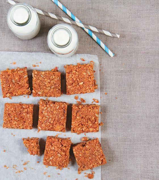 Vrouekeur | Baked oats and fruit bars