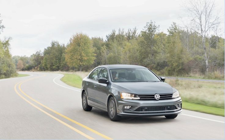 This week we went to the Arizona Proving Grounds in Maricopa, Arizona for a first contact with the Volkswagen Jetta 2019 seventh generation. Unlike our usual tests, this one is a little different, since the car will DRESSED camouflage.The Volkswagen plan is to unveil the new Jetta at Auto Show in Detroit in January.   #2019 Volkswagen Jetta: the game of camouflage #Spotlight #The Car Guide Tests and Features