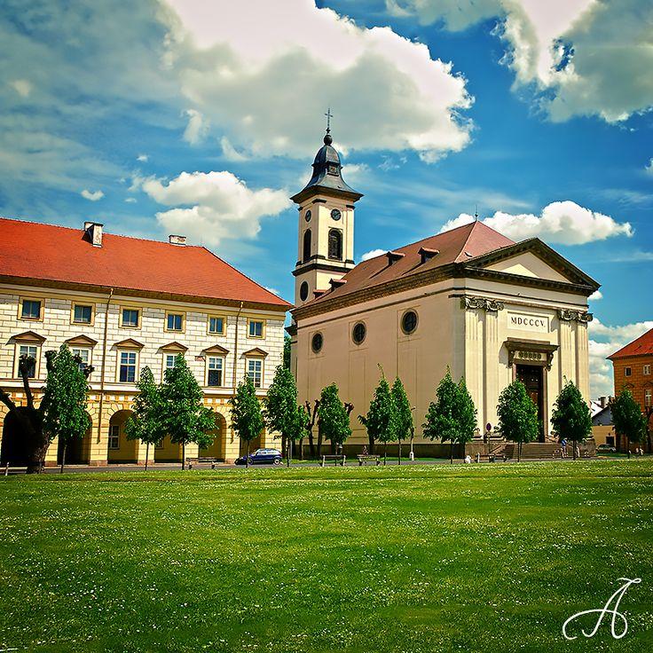Náměstí Československé armády ve městě Terezín, Ústecký 8. 5. 2015 https://instagram.com/p/209CiWMnt3/