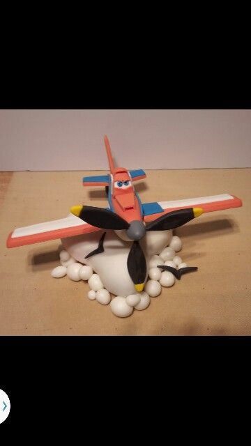 dusty -Disney's plane with gumpaste