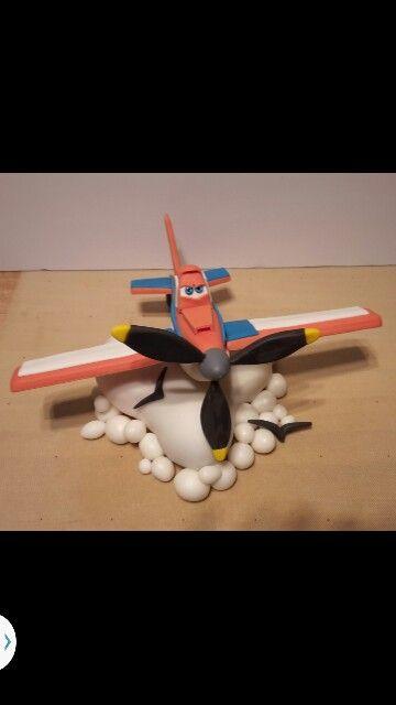 dusty -Disney's plane with gumpaste