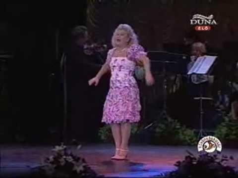 Oszvald Marika: Ma éjjel táncolnék