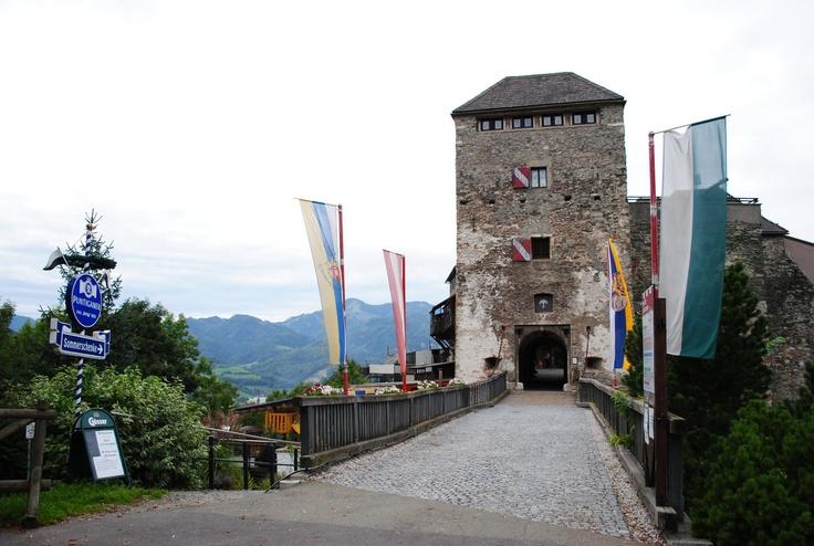 Burg Oberkapfenberg, Austria