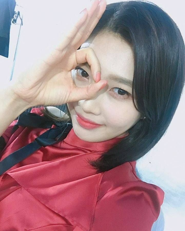Red Velvet_Joy 'Peek-A-Boo'