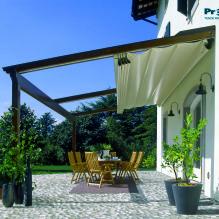 Buitenzonwering zoals verandazonwering zorgt voor verkoeling in de schaduw op warme zomerdagen. U vindt een grote diversiteit bij Windorol in Renesse.