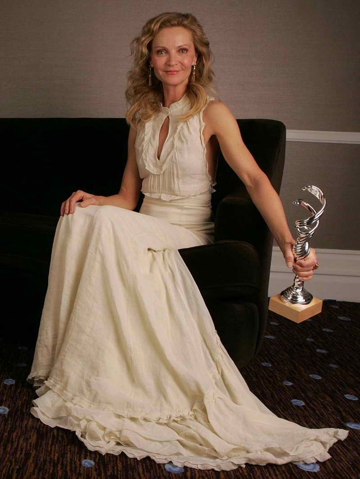 Joan Allen Height and Weight | Celebrity Weight | Page 3