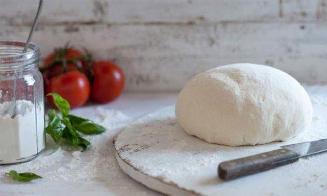 Διατροφή - Συνταγή: Ζύμη για πίτσα χωρίς γλουτένη - Όμορφα Μυστικά από την Βίκυ ΧατζηβασιλείουΌμορφα Μυστικά από την Βίκυ Χατζηβασιλείου