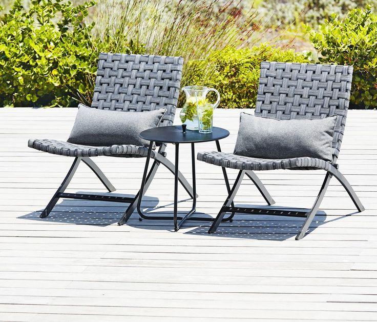 Un scaun cu design modern, gândit pentru a-ți asigura maximum de confort: ELVERUM din oțel și petan, cu pernă. #mobiliergradina