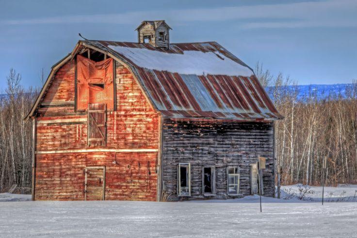 Heartland Barn by John Heino